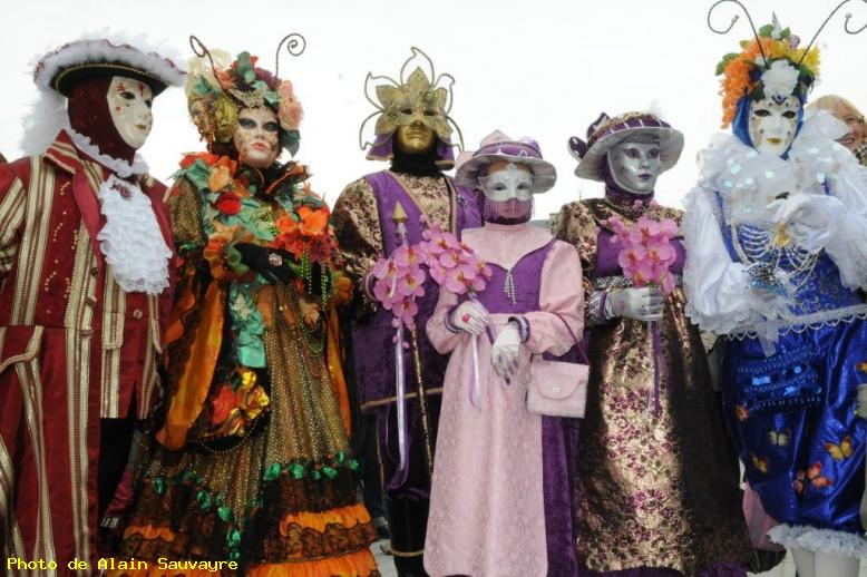 Groupe de masques - Annecy