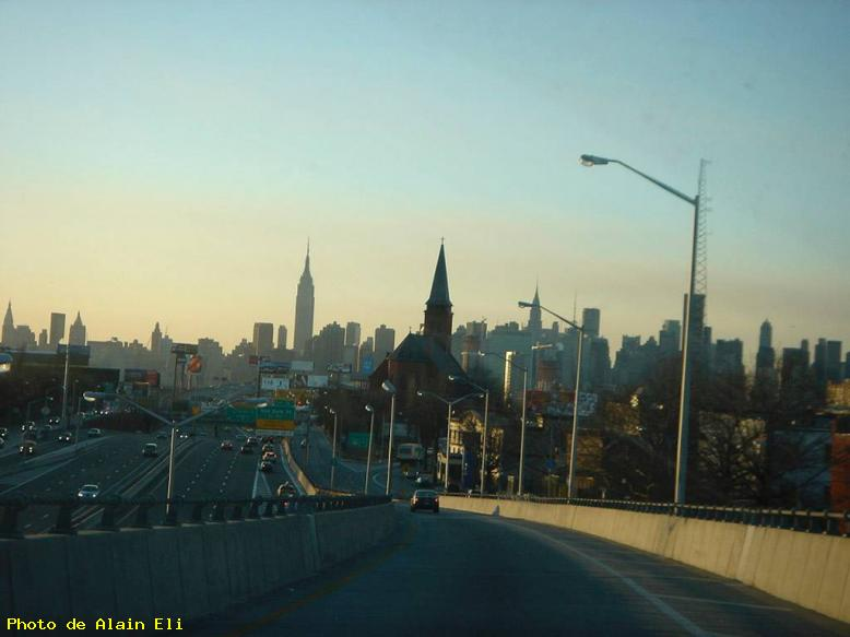 ZOOM : High way vers new york - New york