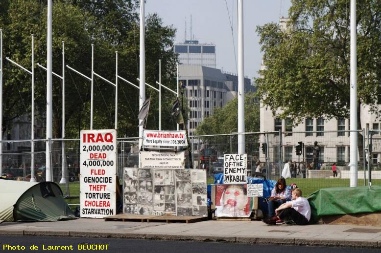 ZOOM : Westminster - manifestation face au parlement - Londres