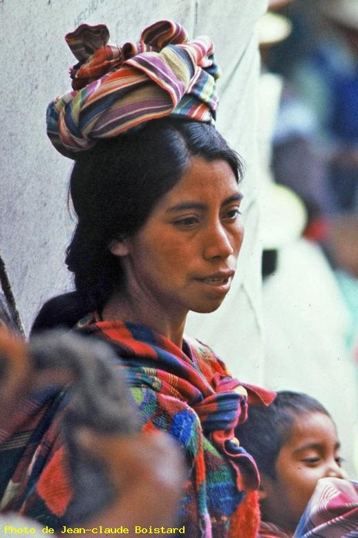 ZOOM : Belle indienne - Chichicastenango