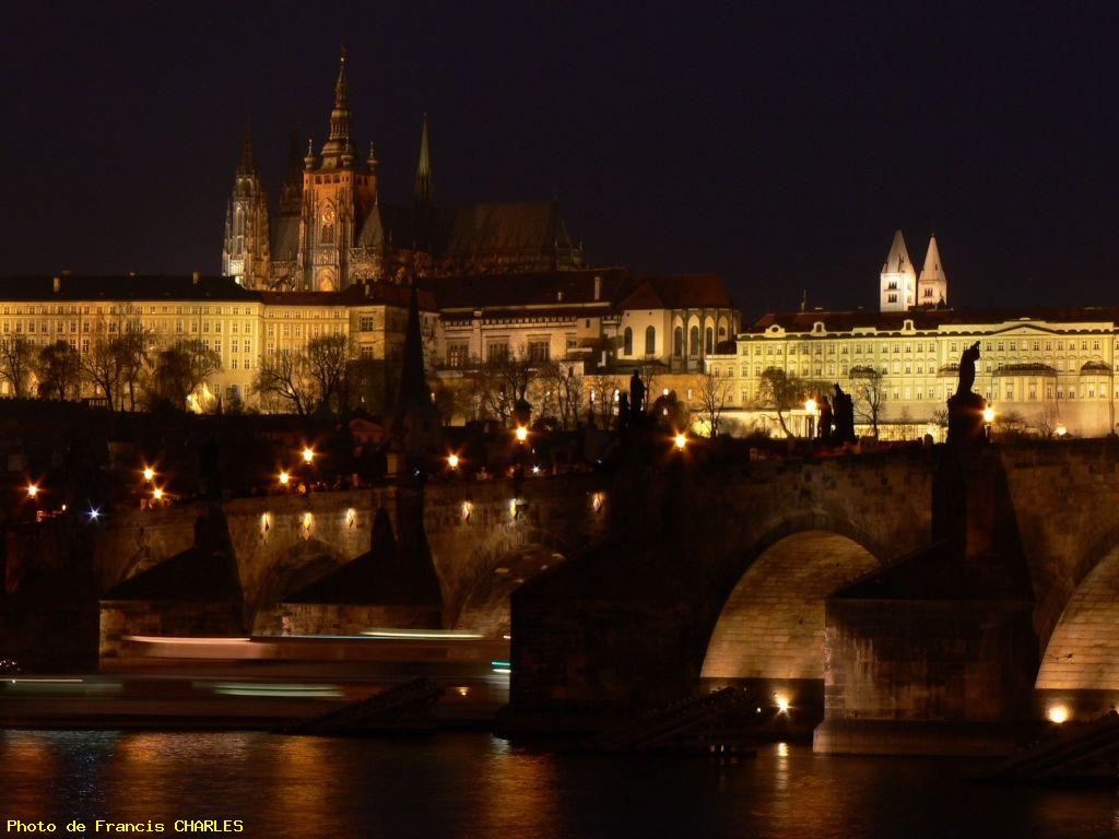 Palais royal et pont charles - Prague