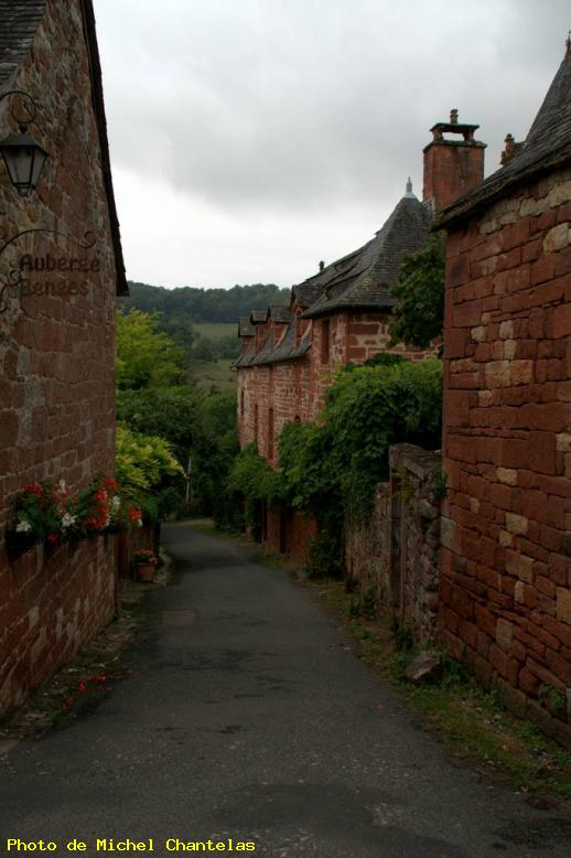 ZOOM : La rue - Collonges la rouge