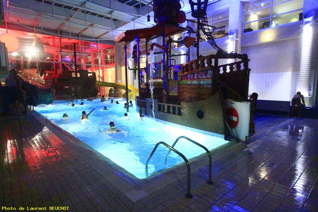 Hotel explorer marne la vallee val d 39 europe galerie for Piscine disneyland hotel