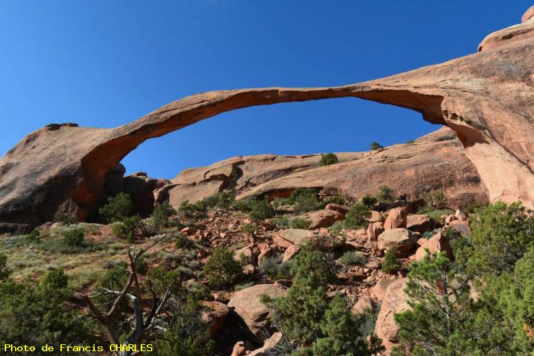 ZOOM : Landscape arch - Arches national park