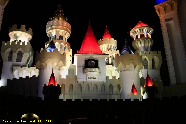 ZOOM : Excalibur hotel by night - Las vegas