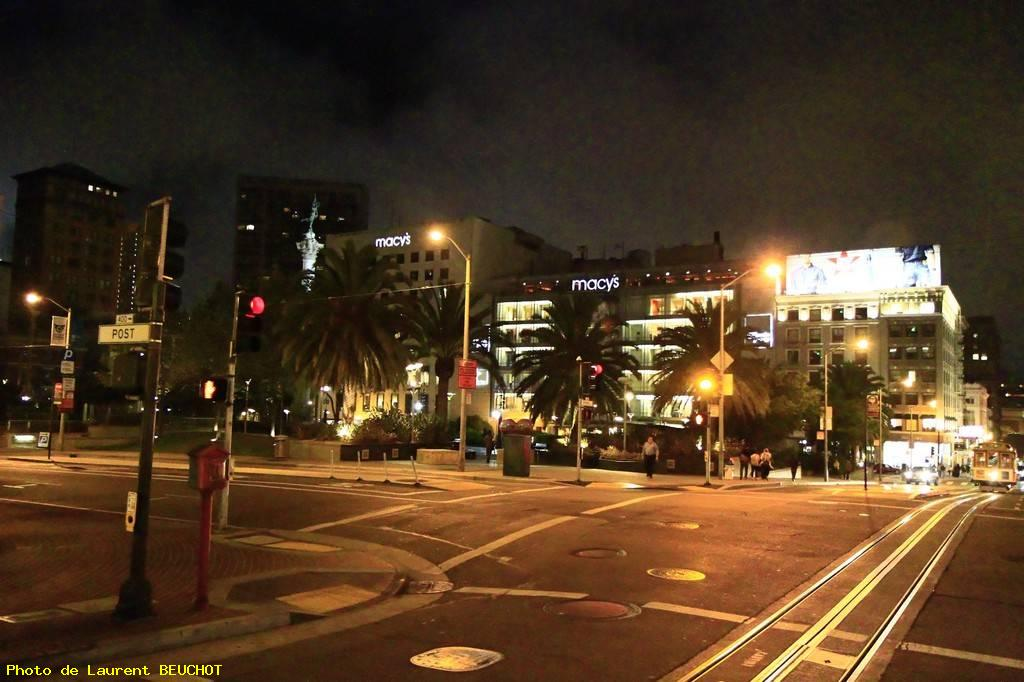Cable car experience - union square by night - San francisco