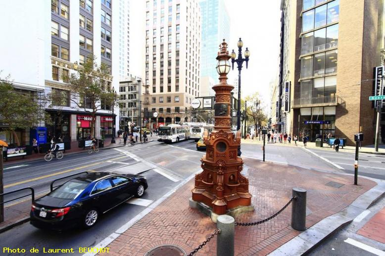 ZOOM : Lotta's fountain - San francisco