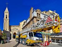 Grue mobile 40T -Eglise -Installation de la cloche - Sanary sur Mer ( Var - France ) -