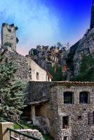 Le village et sa tour - Chateaudouble - ( Var - France )