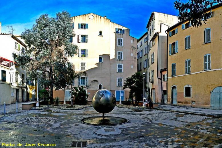 Place du Globe - Toulon - ( Var - France ) -