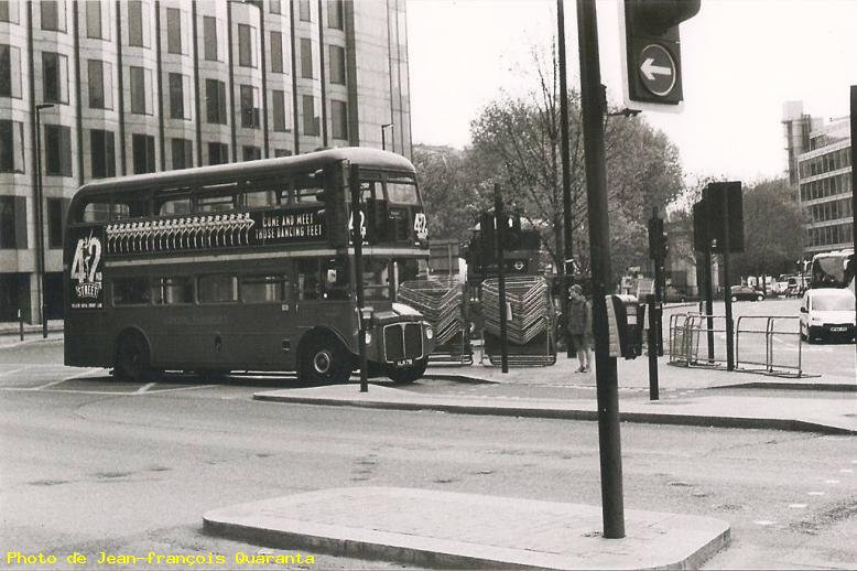 ZOOM : Old bus - Londres