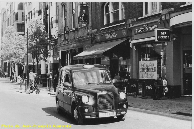 ZOOM : Old taxi - Londres