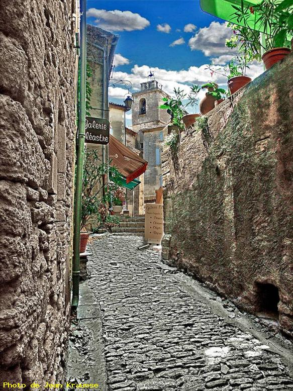 ZOOM : Ruelle - Gordes - ( 84 -vaucluse - france ) -
