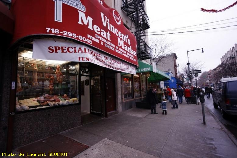 ZOOM : Little italy of the bronx - Bronx
