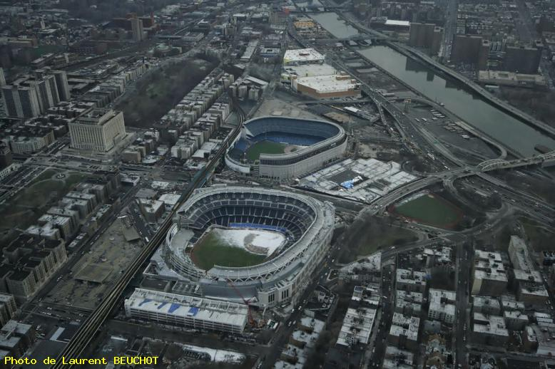 ZOOM : Vues d'hélicoptère - yankees stadiums - New york